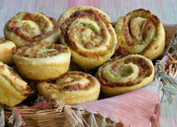 Pesto Pepperoni Cheese Pinwheels